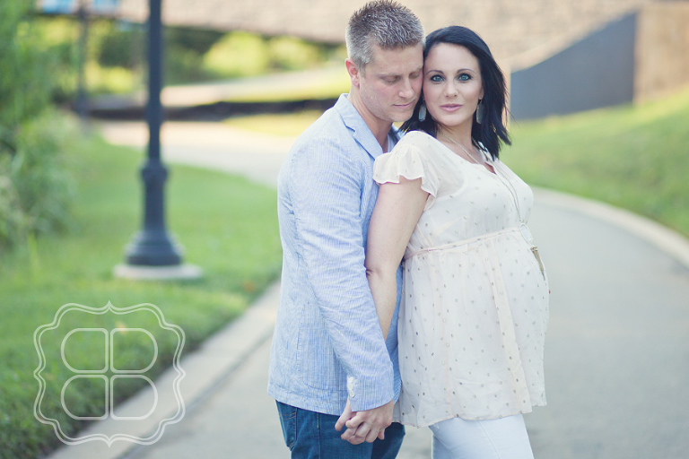 Midtown Charlotte maternity phtoo shoot