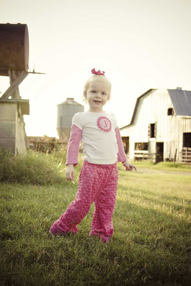 child photography on a farm in Fort Mill SC