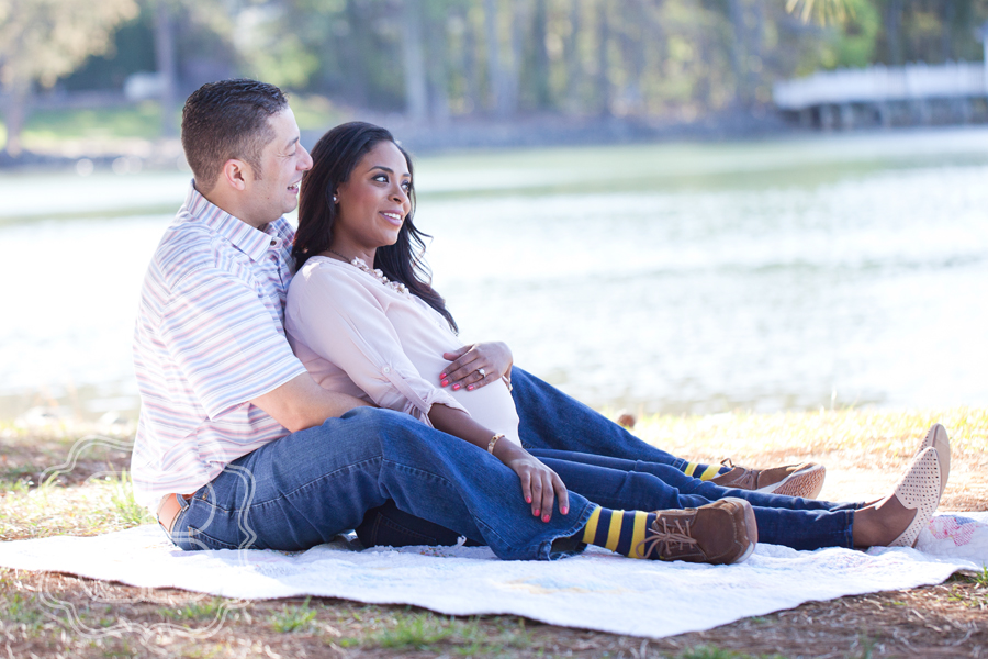 Charlotte couple has photographer create maternity portraits outdoors at Lake Norman
